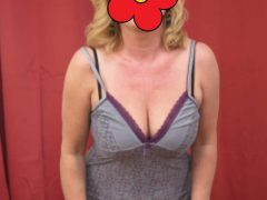 Blonda draguta cu forme 46 ani iti ofer masaj